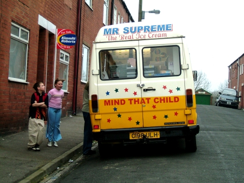 never-too-cold-for-the-ice-cream-van_o